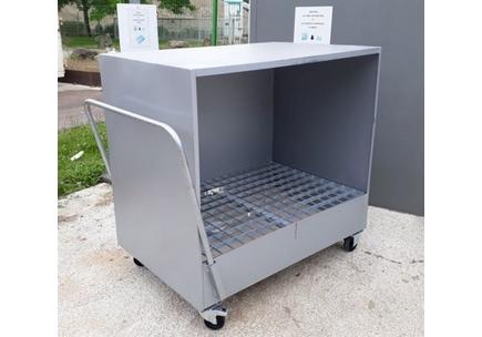 Abri mobile pour stockage sur rétention